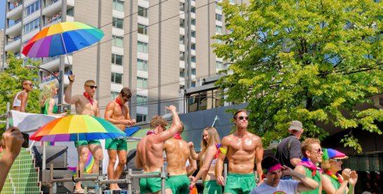 vancouver-gay-pride-parade-984x500
